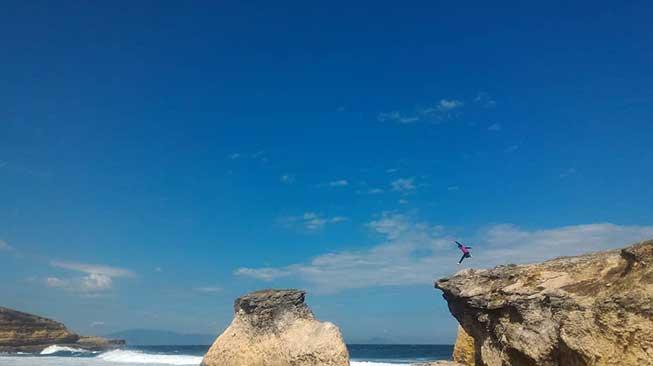 Lingkoq Datu, Pantai Penyisok